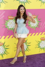 sel kids choice awards 2013 11.jpg